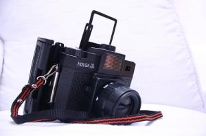 Polga = Holga + Polaroid