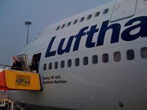 Lufthansa flight returned back to Hong Kong after 35min flight time