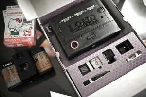 Lomo LCA Instant Back - package content