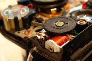 SX-70 Sonar Autofocus Shutter Button Circuit