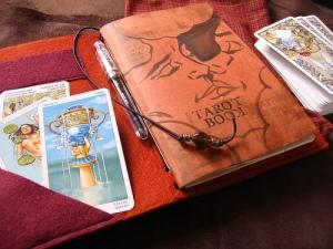 The Chameleon Notebook as a Tarot Book