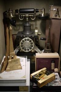 Eiffel Tower Antique Phone replica