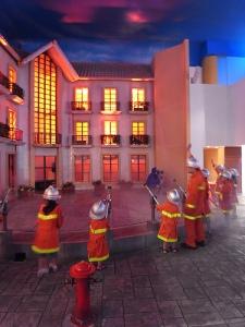 Kidzania: putting out fire